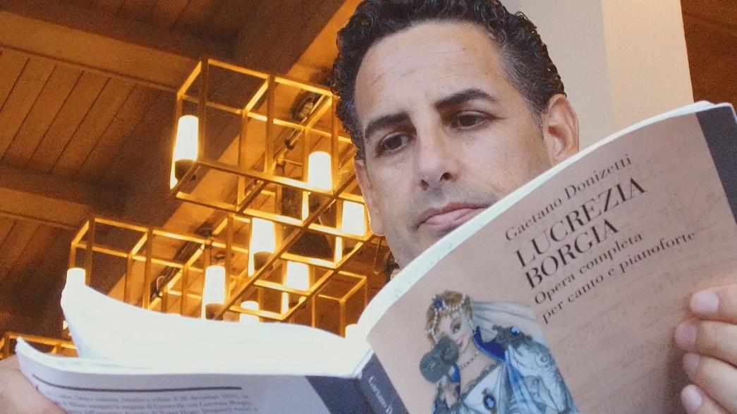 """خوان دييغو فلوريز يبدع في """"لوكريزيا بورجيا"""" لدونيزيتي"""
