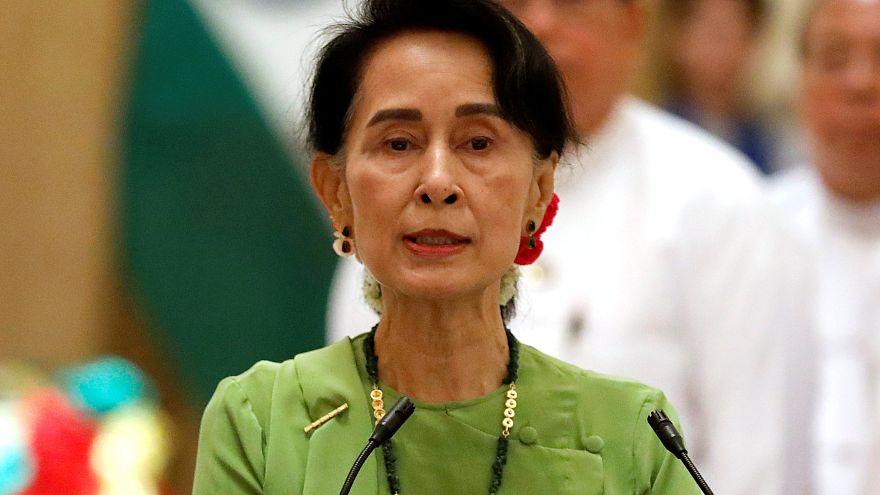 Лидер Мьянмы обвинила в беспорядках «террористов»
