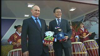 Владимир Путин и Мун Чжэ Ин поговорили об Олимпиаде