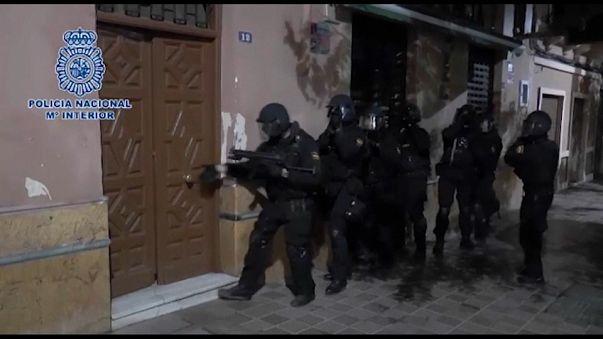 اسبانيا والمغرب تعتقلان 6 اشخاص خططوا لشن هجمات وقطع الرؤوس