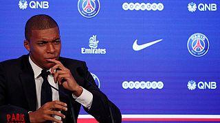 Mbappé feliz, presentado con el París Saint Germain