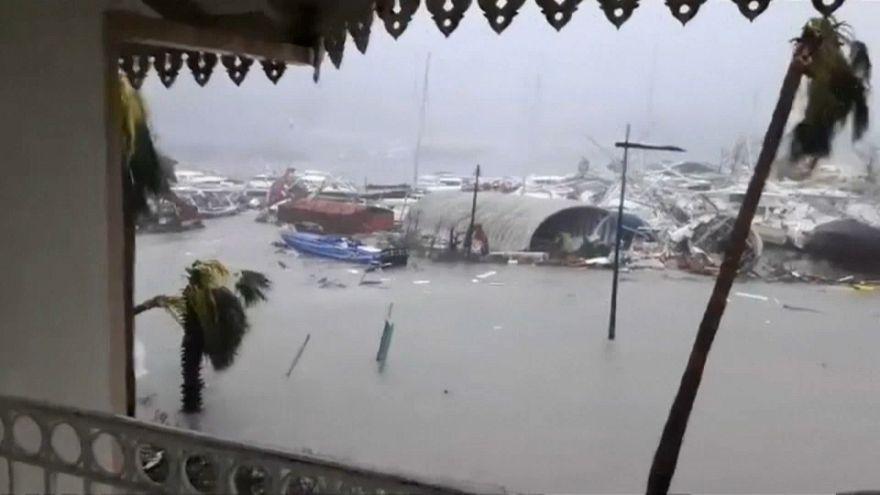 'Canavar Kasırga' Irma Karayipler'de dehşet saçtı
