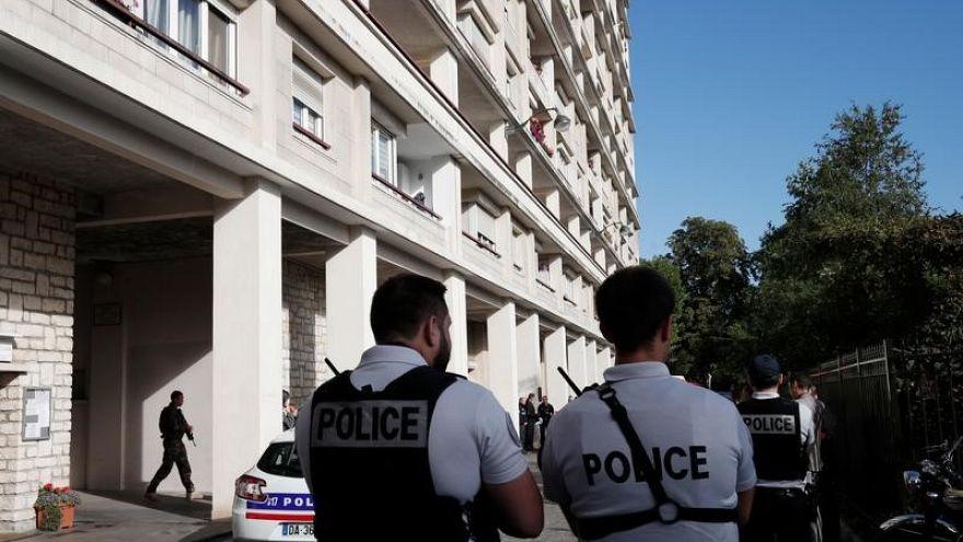 اعتقال شخص ثالث بعد العثور على مختبر لتصنيع المتفجرات باحدى ضواحي باريس