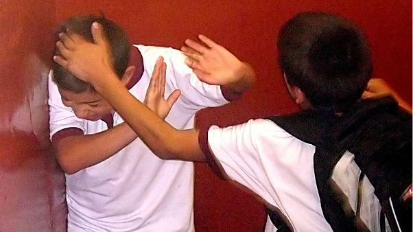 چند دانش آموز چینی به جرم مزاحمت به کار اجباری محکوم شدند