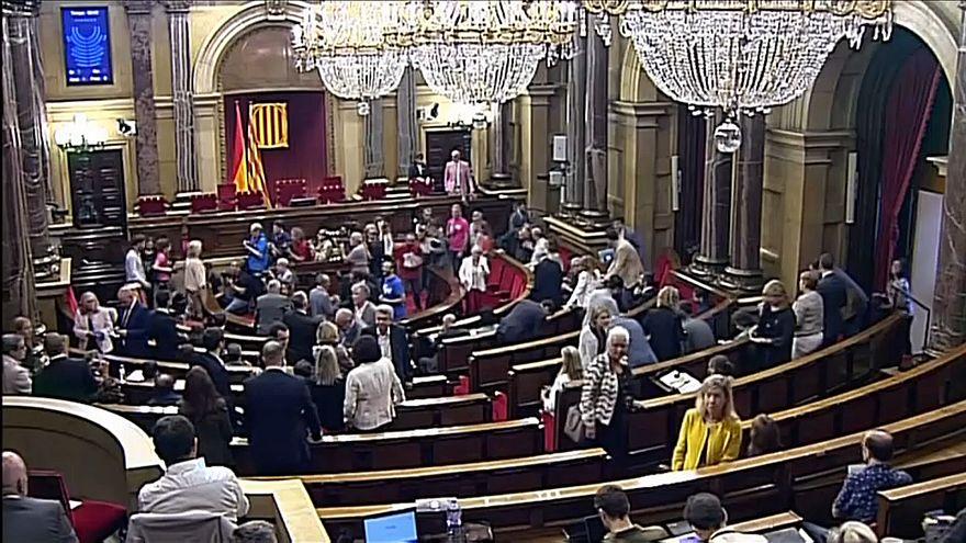 """Katalonya meclisi """"bağımsızlık"""" dedi"""