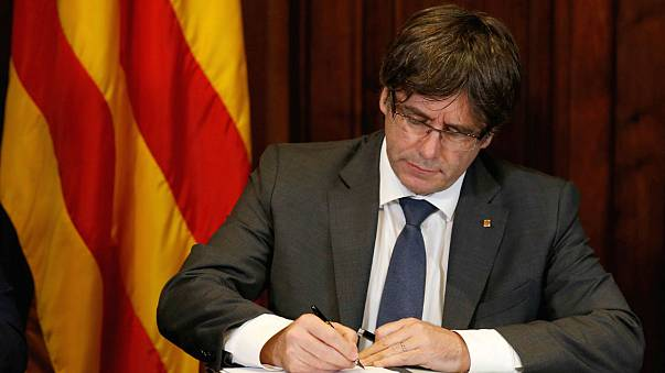 Catalogna: il Parlamento dice sì al referendum sull'indipendenza