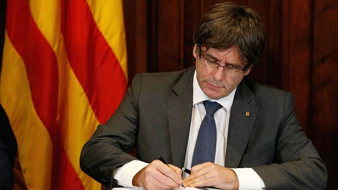 Catalunha: Parlamento aprova referendo sobre a independência