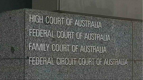 أستراليا ترفض طعنا بوقف استفتاء حول زواج مثليي الجنس