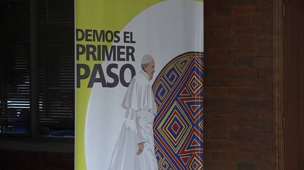 Pope Francis treads political minefield on Colombian visit