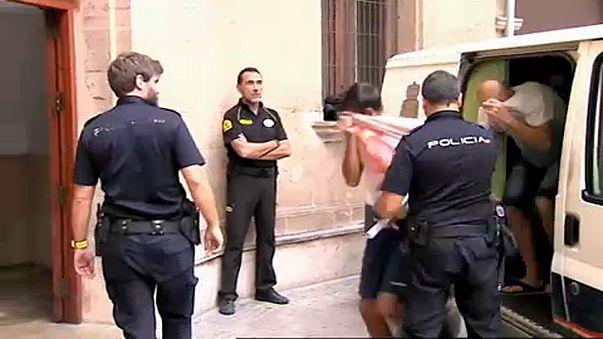 Brit csalók a spanyol bíróság előtt