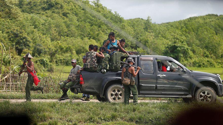 """من هو """"جيش إنقاذ روهينغا"""" أو """"حركة اليقين""""؟"""