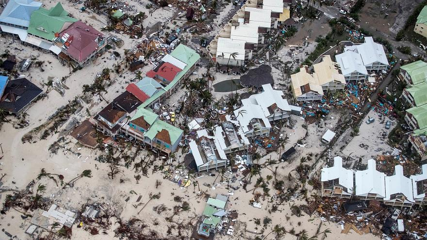 A devastação deixada por Irma nas Antilhas