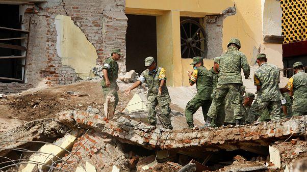 شمار تلفات جانی ۸ ریشتری مکزیک از هفتاد نفر گذشت