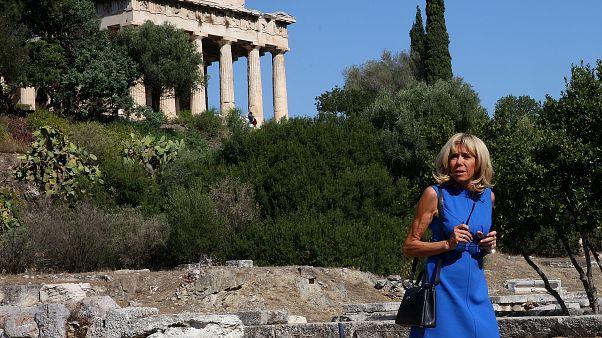 Η Μπριζίτ Μακρόν στην Αρχαία Αγορά: «Δεν φεύγω, θα μείνω εδώ»