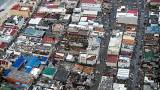 """Aux Antilles, """"réhabiliter les bâtiments le plus vite possible"""""""