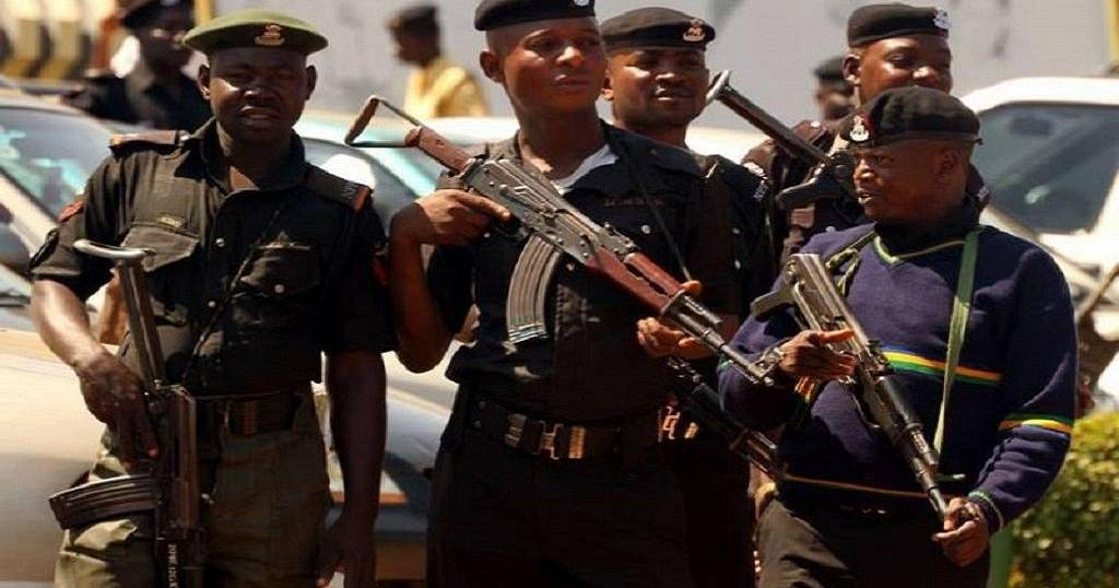 how goverment can reduce armed robbery in nigeria police