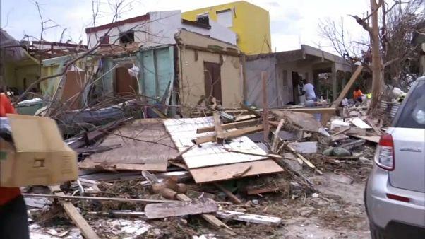 Uragano Irma, da Parigi arrivano rinforzi contro gli sciacalli