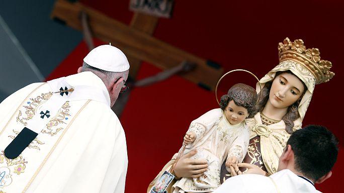 Il Papa in Colombia invita alla riconciliazione