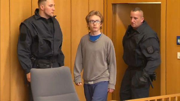 Άρχισε η δίκη του 19χρονου δολοφόνου