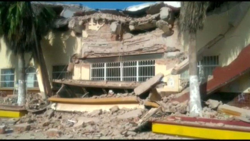 Depois do sismo, o furacão