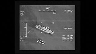شاهد: كيف التقطت كاميرات خفر السواحل التركية مركبا للمهاجرين؟