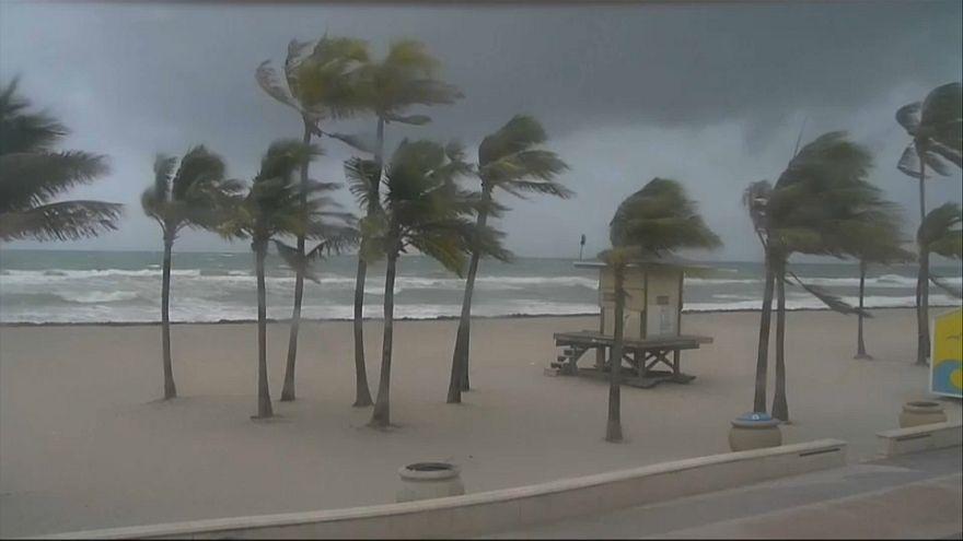 Floridalılar Irma sebebiyle kıyıları terk ediyor