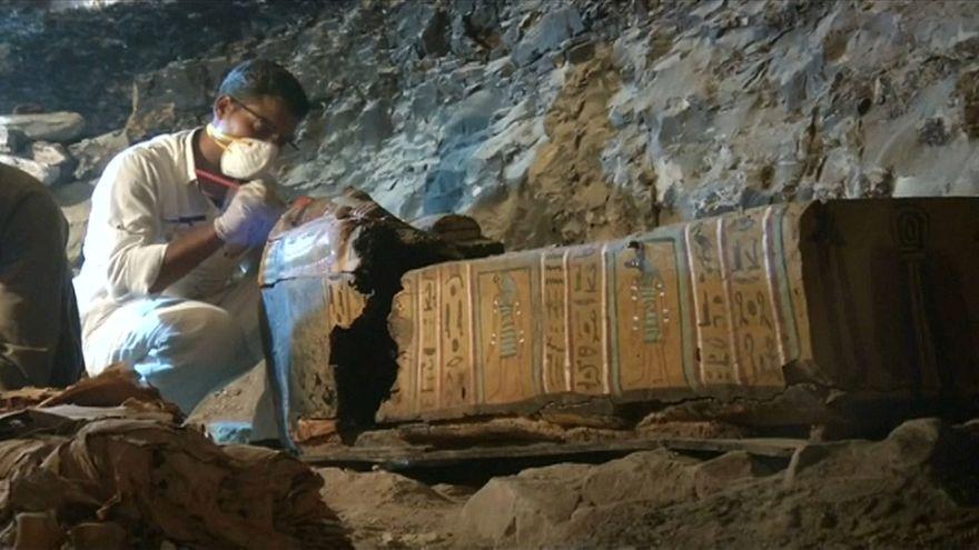 اكتشاف مقبرة صائغ الأسرة ال18 الفرعونية