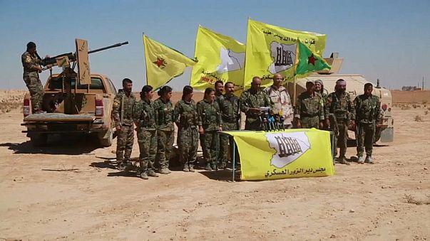 Syrian militants race army for control of Deir al-Zor