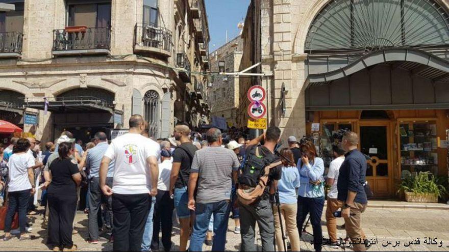 مسيرة في القدس تطالب برحيل بطريرك الكنيسة الأرثوذكسية اليونانية
