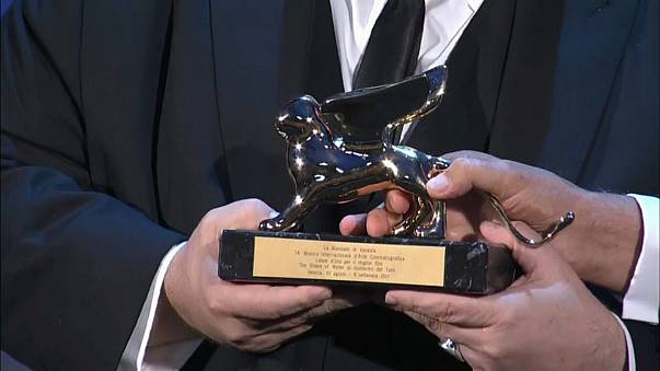 """Del Toro wins Golden Lion at Venice for """"The Shape of Water"""""""