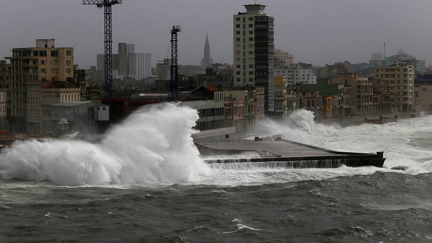 إعصار إيرما يستعيد قوته ويضرب سواحل فلوريدا