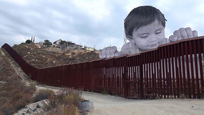 Искусство заглянуло за стену