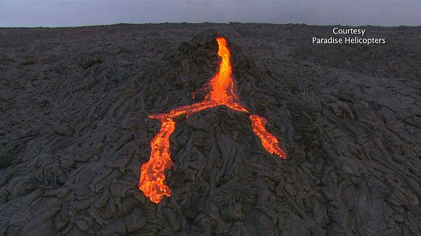 Espectáculo en el volcán Kilauea, a vista de pájaro