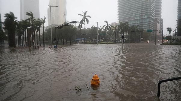 إعصار إرما.. فلوريدا ولاية بدون كهرباء وترامب يعلنها منطقة كوارث كبرى
