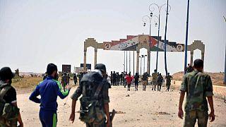 الجيش السوري يؤمن طريق دير الزور ومحيط مطارها
