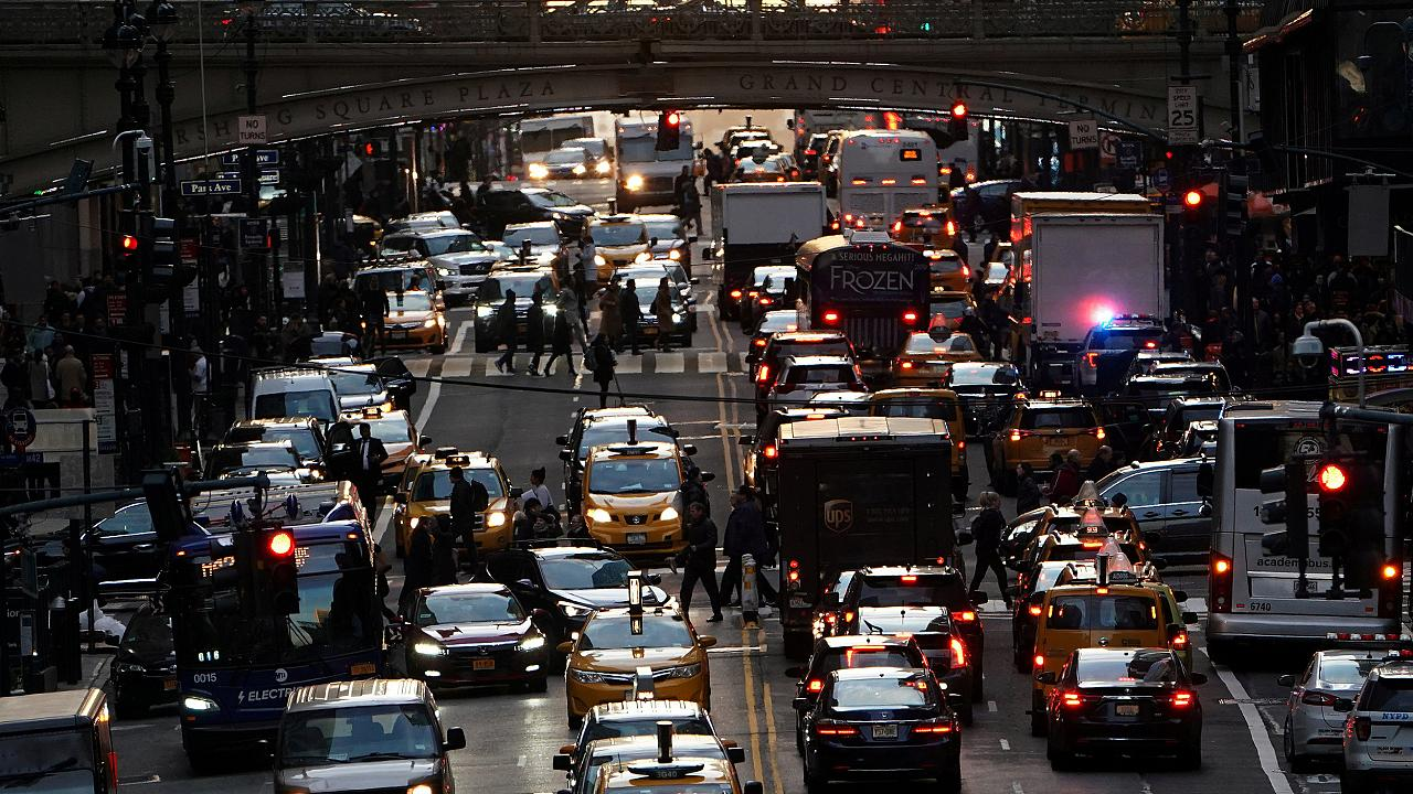 Image: Cars sit in traffic in New York City