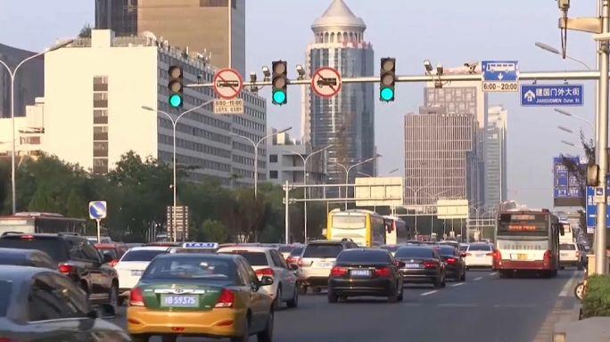 China admite abandonar carros movidos a combustíveis fósseis