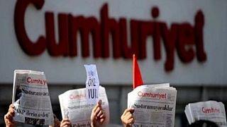 Cumhuriyet-Prozess: Zeitungsleute bleiben in Haft