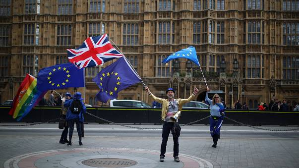 El Parlamento británico apoya un 'brexit' duro