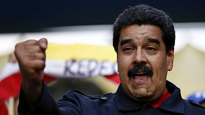 Venezuelan Maduro in Algeria with oil at the heart of talks