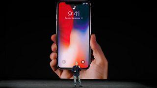 Apple baptise son nouveau bébé, l'iPhone X, déjà une star !