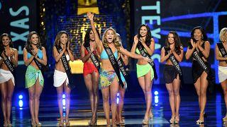 ملکه زیبایی تگزاس در برنامه زنده تلویزیونی از ترامپ انتقاد کرد
