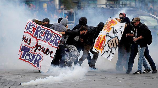 Confrontos nos protestos contra a reforma laboral de Emmanuel Macron