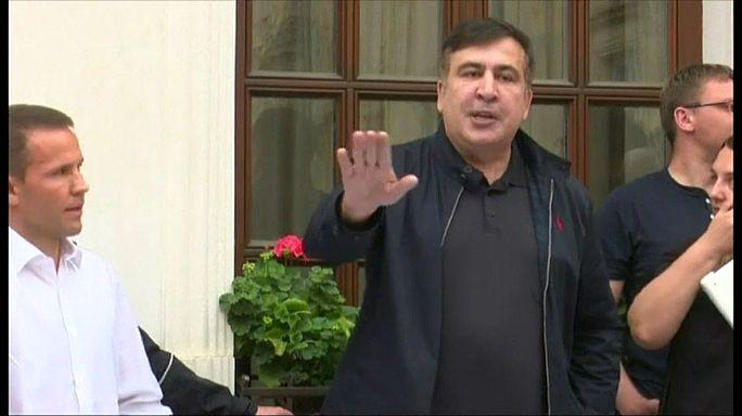 Saakashvili served papers over border breach