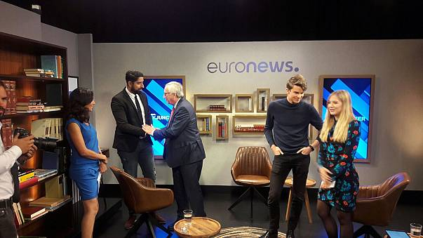 """#AskJuncker : trois jeunes """"Youtubeurs"""" mettent Juncker sur le grill"""