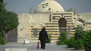 Lassan, de halad Aleppo újjáépítése