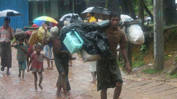 مساعدات جوية للروهينجا في بنغلاديش