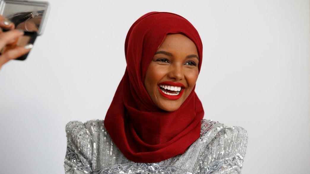Manequim de hijab assina pela IMG Models