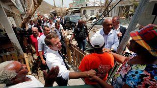 Las promesas de Macron a los damnificados por Irma