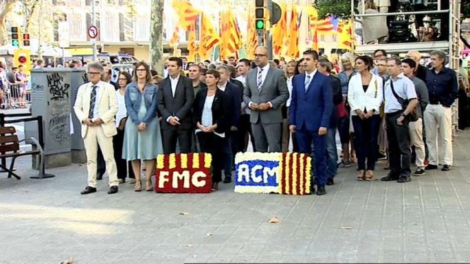 La fiscalía española ordena interrogar a 712 alcaldes en Cataluña